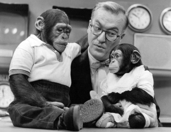 Dave_Garroway_J_Fred_Muggs_Today_show_1954