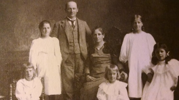 Sigurd, Anne, Andreas, Clara, Arnulf, Elsa and Brenda, ca. 1898. From O Clouds, Unfold!